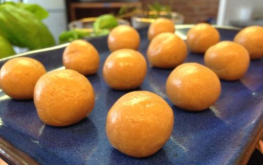 Kinki Kina-Choco Balls